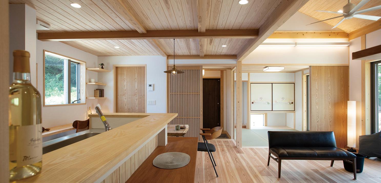 SETOUCHI MINKA featuring HIRAYA 瀬戸内の民家、平屋。